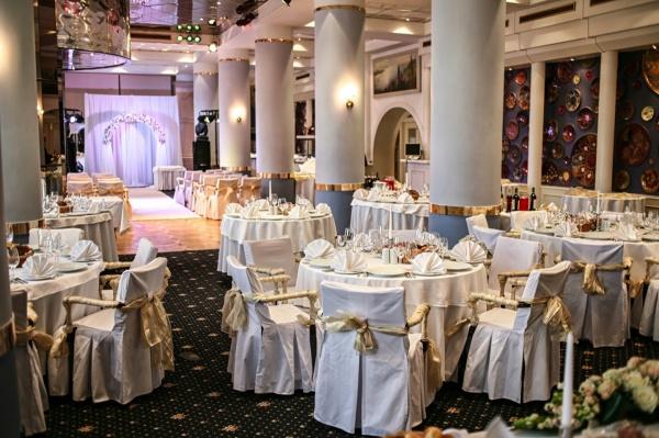Главный санврач области осудил проведение свадеб в ресторанах