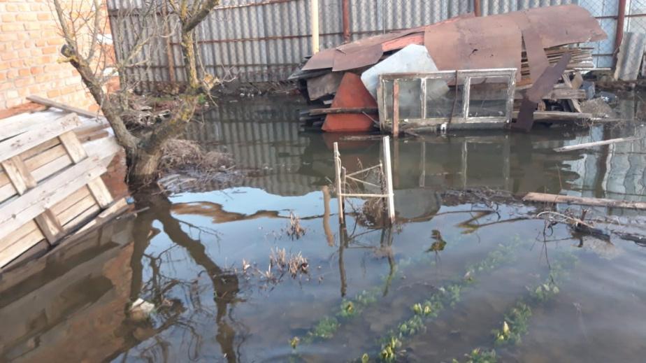 В Батайске затопило жителей Чапаева